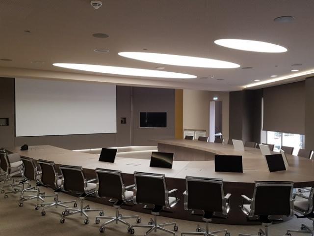 Office building in Metamorfossi